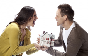 divorce-couple-fighting-over-house